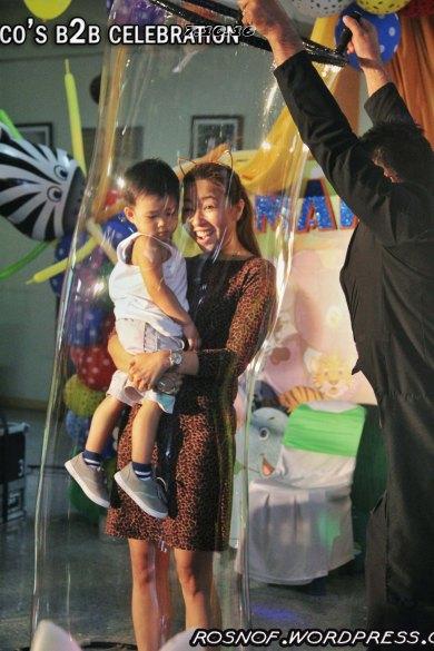 Human Sized Bubbles: Baby Wacky w/ his Mom